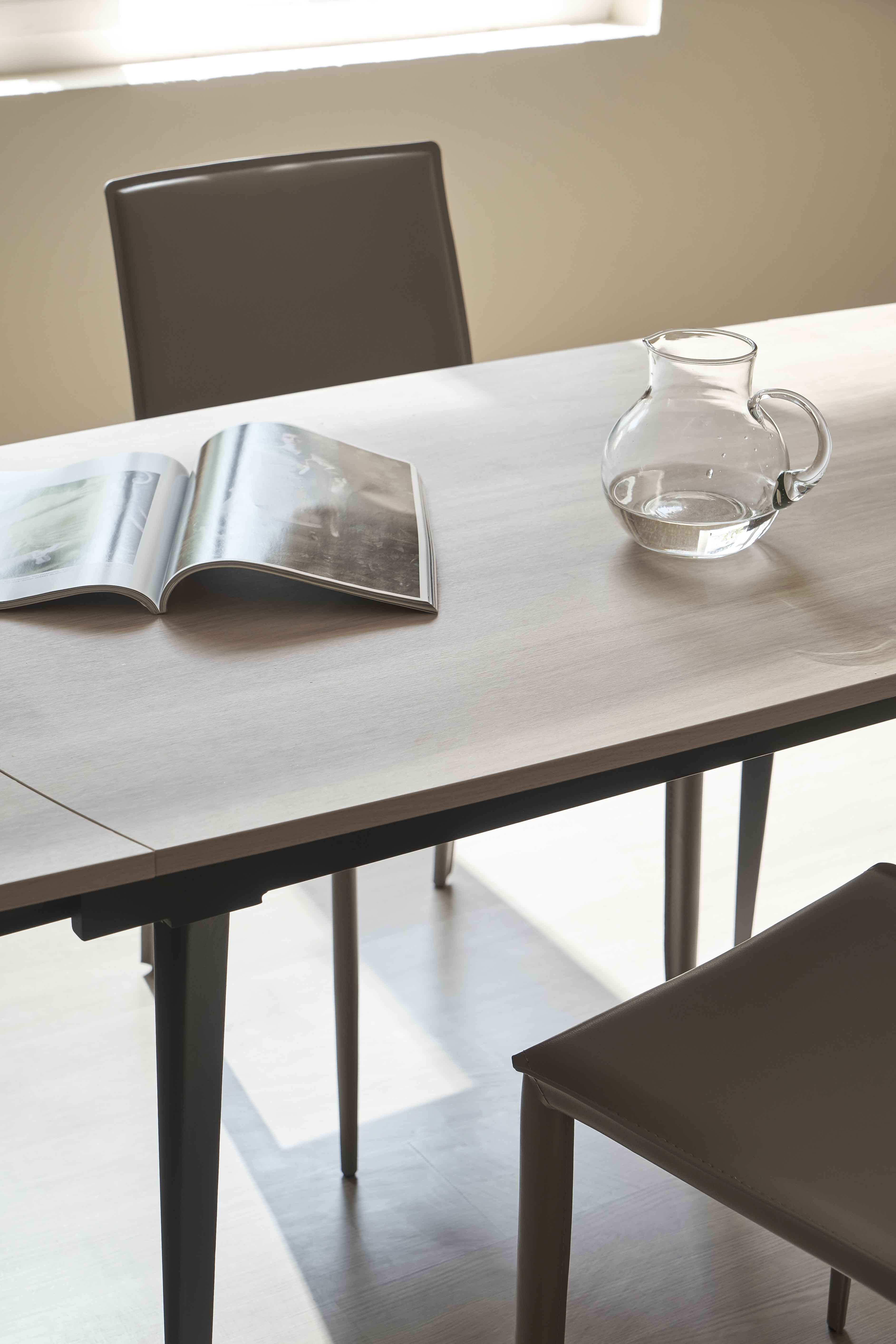 Stephen dining table 03