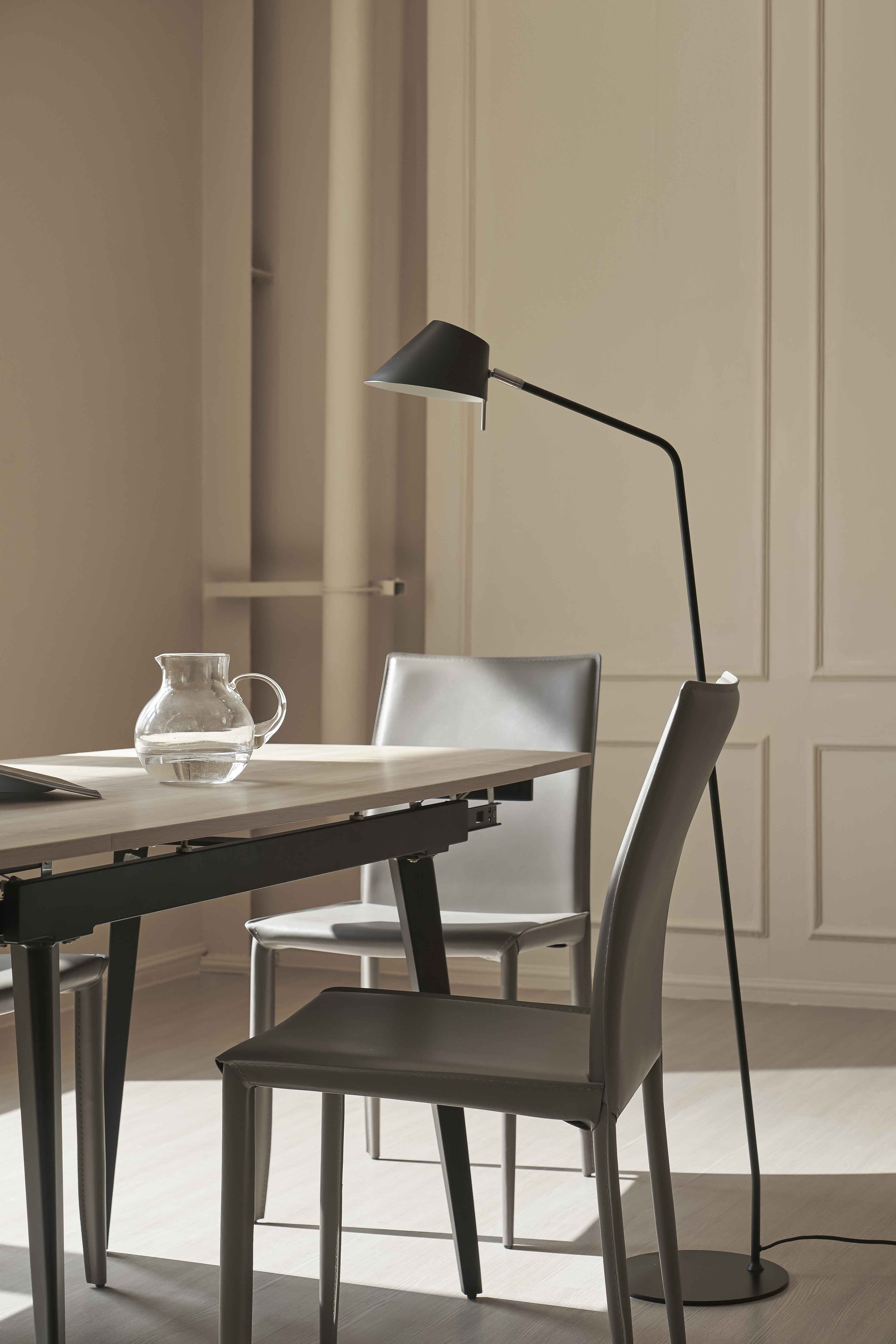 Stephen dining table 04